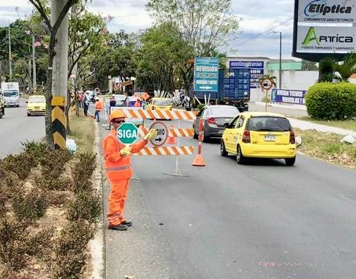 Así avanzan obras de los colectores en la Avenida Mirolindo
