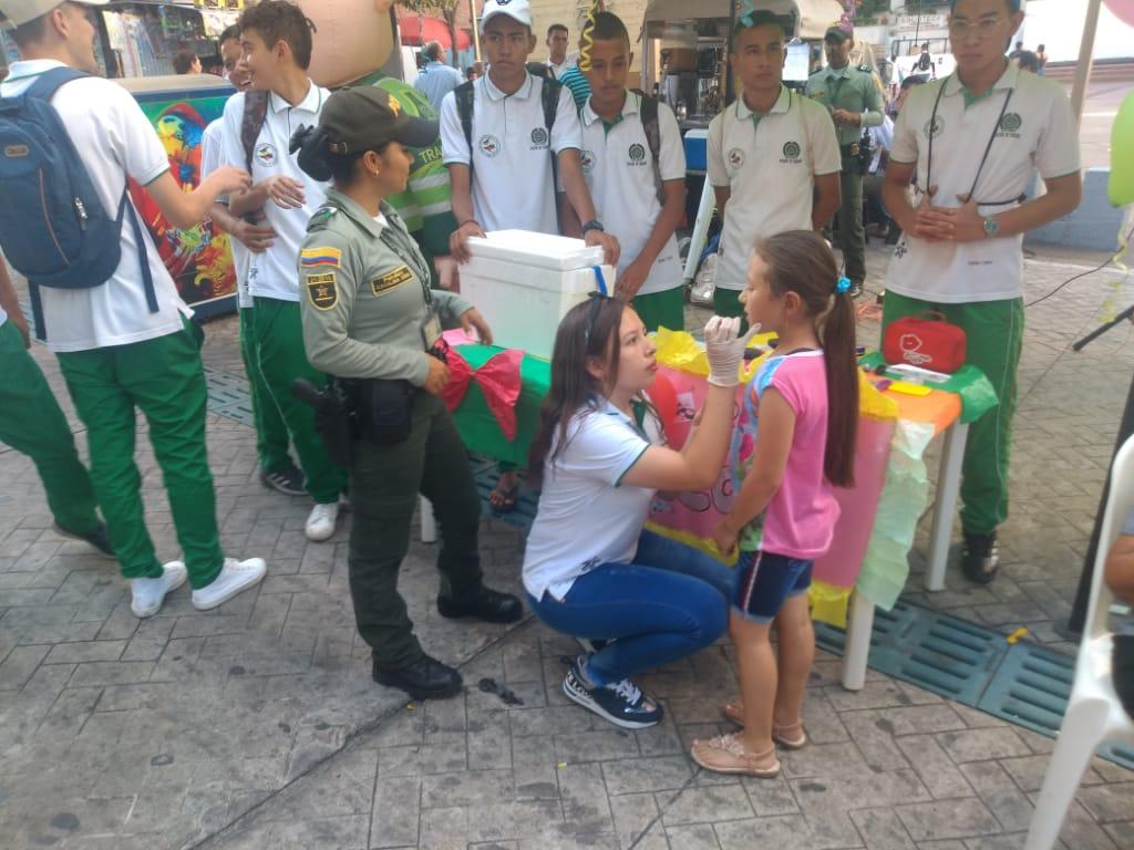 Grupo de Turismo de la Policía realizó taller de creatividad y emprendimiento
