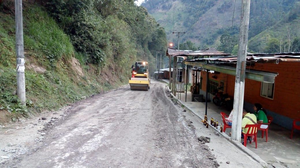 Realizan mantenimiento a corredor Villarrestrepo - Juntas