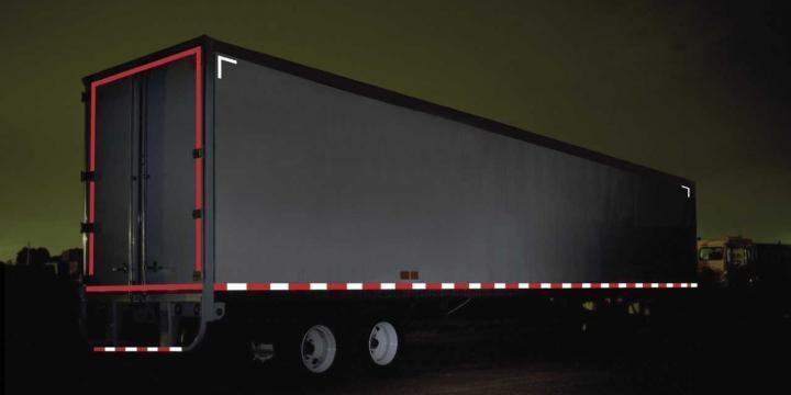 Nuevo reglamento para el uso de cintas retroreflectivas para camiones
