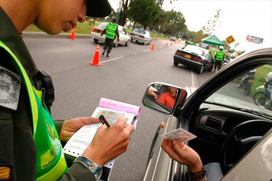 Demandan artículo que establece sanción para quitar licencia de conducción por 25 años