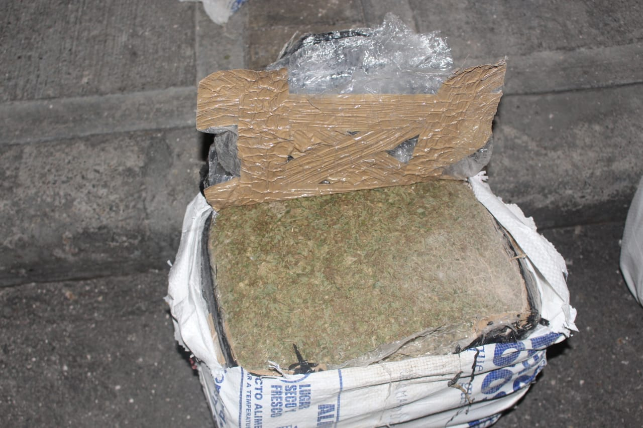 Cayó cargamento de media tonelada de marihuana en camión en la vía Ibagué - Cajamarca