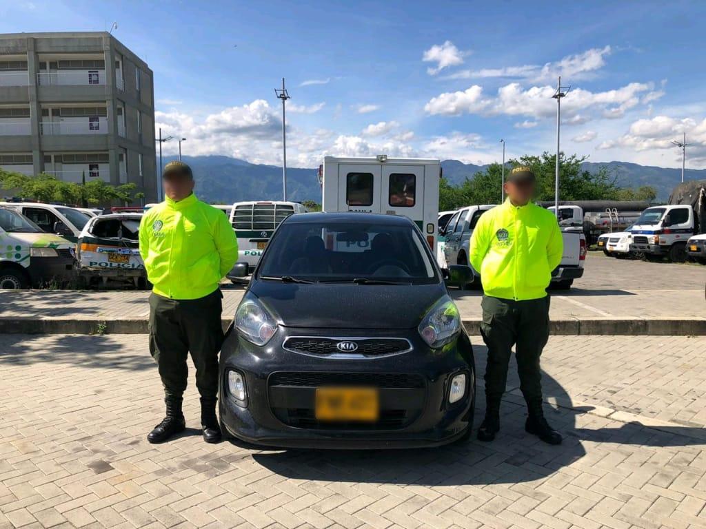 Recuperan en Ibagué un carro robado en Bogotá