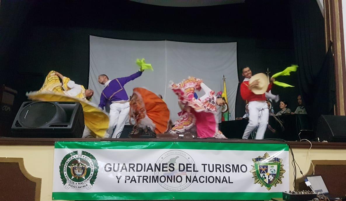 Se graduaron 132 'guardianes' de turismo y patrimonio