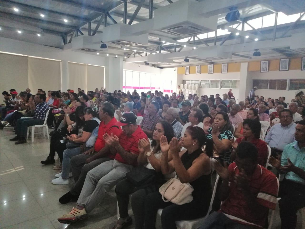 450 líderes celebraron el día de la acción comunal