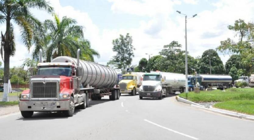 Transportadores de carga y pasajeros anunciaron que no se sumarán al paro
