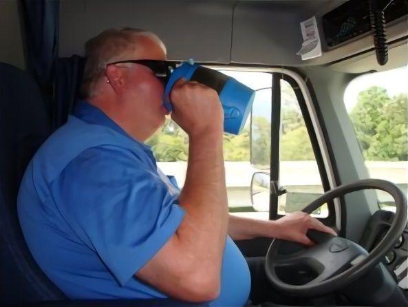 Peligros y riesgos en la salud de conductores en carreteras