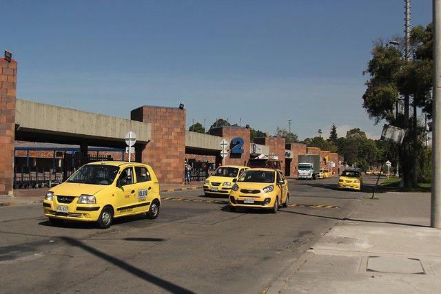 Los cambios que planea el gobierno para el servicio de taxis en el País