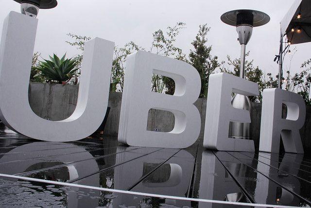 Uber insiste en no dejar de operar