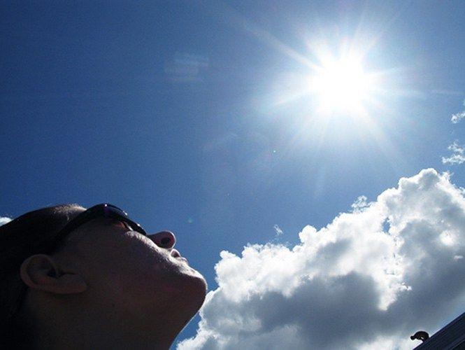 Recomendaciones por temporada de sol y calor intensos