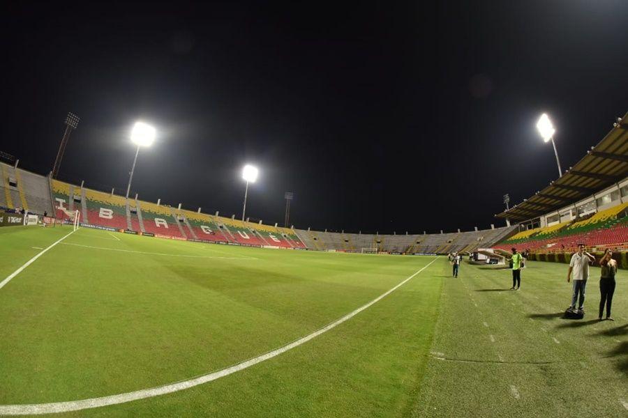 Continúa proceso administrativo contra contratista de iluminación del estadio