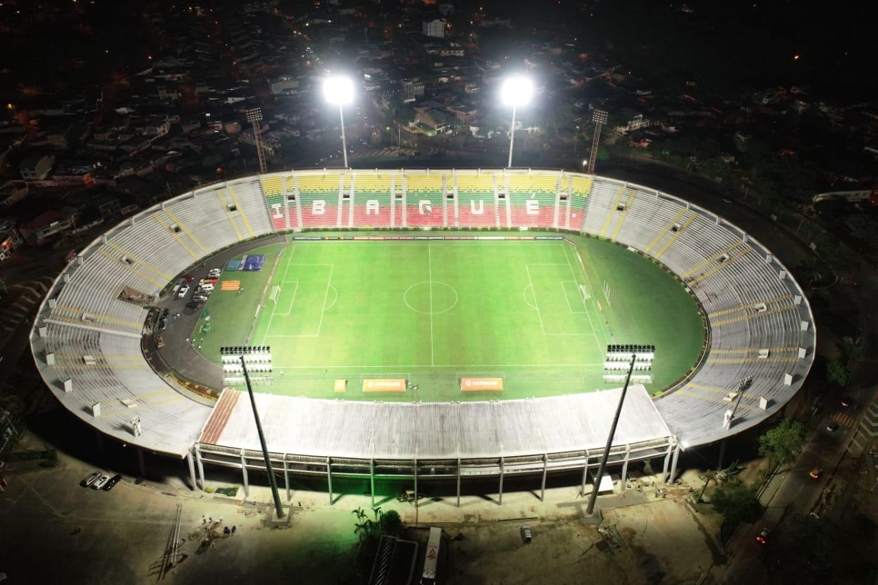 Avanza reforzamiento de las luminarias del estadio Manuel Murillo Toro