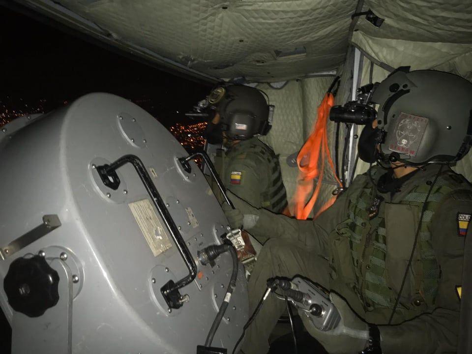 Con perifoneo nocturno, helicópteros de la FAC invitan a cumplir con el aislamiento preventivo obligatorio