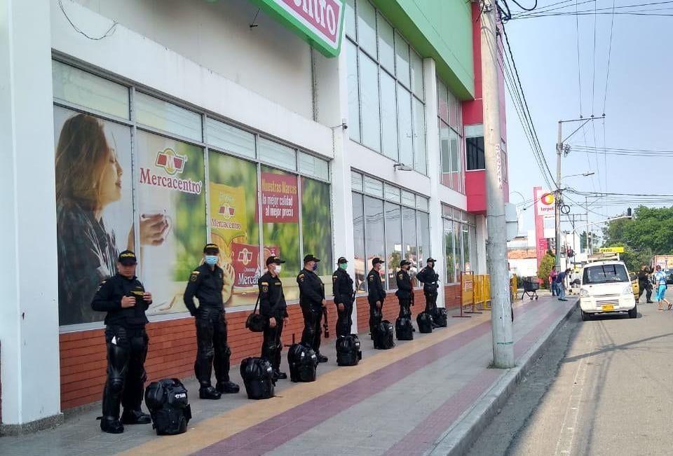 Policía conformó el grupo de reacción inmediata anti saqueos de almacenes