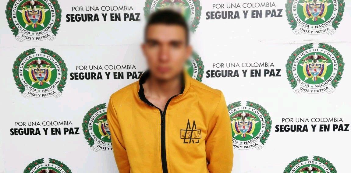Conductor cayó con 440 kilos de yerba en la vía Calarcá - Ibagué
