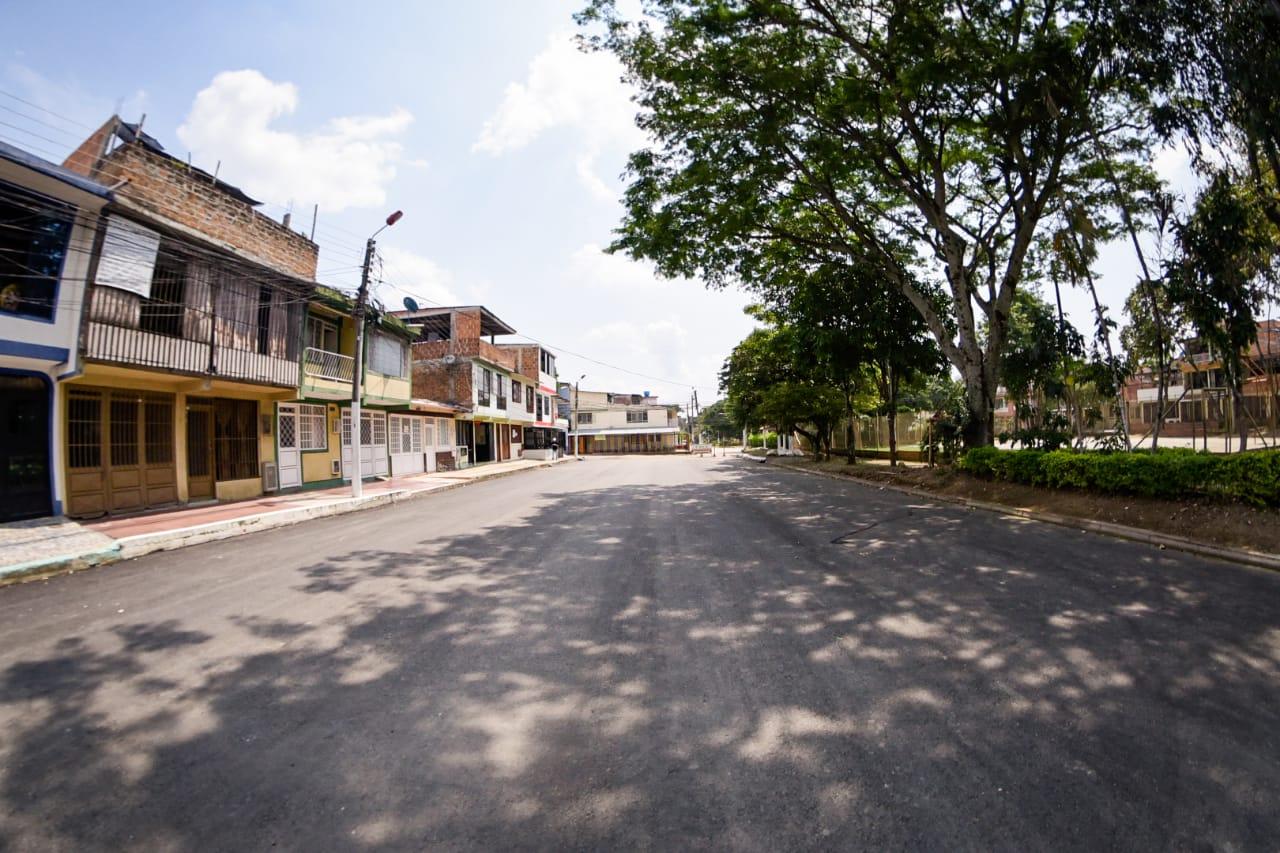 Alcaldía invirtió $ 600 millones en la pavimentación de vía en Tolima Grande