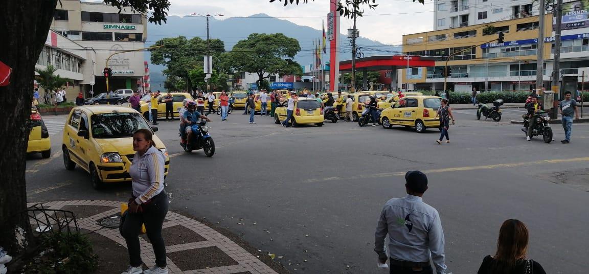 """""""El llamado a las empresas de taxis y sus líderes es a replantear jornada de protesta"""": Secretario de Gobierno."""