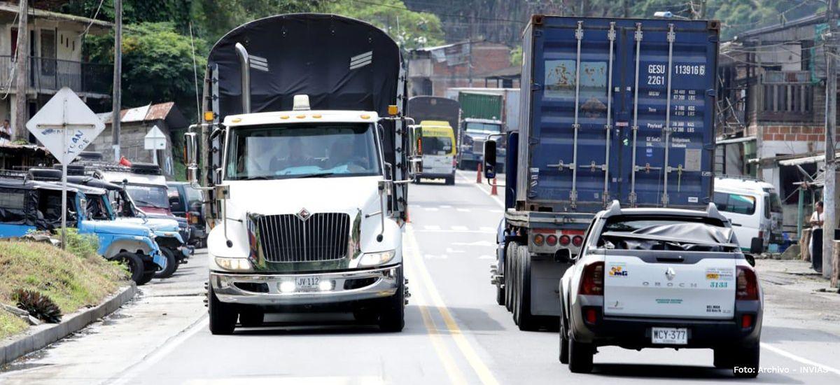Invías mantiene cierre nocturno en la vía Calarcá - Cajamarca