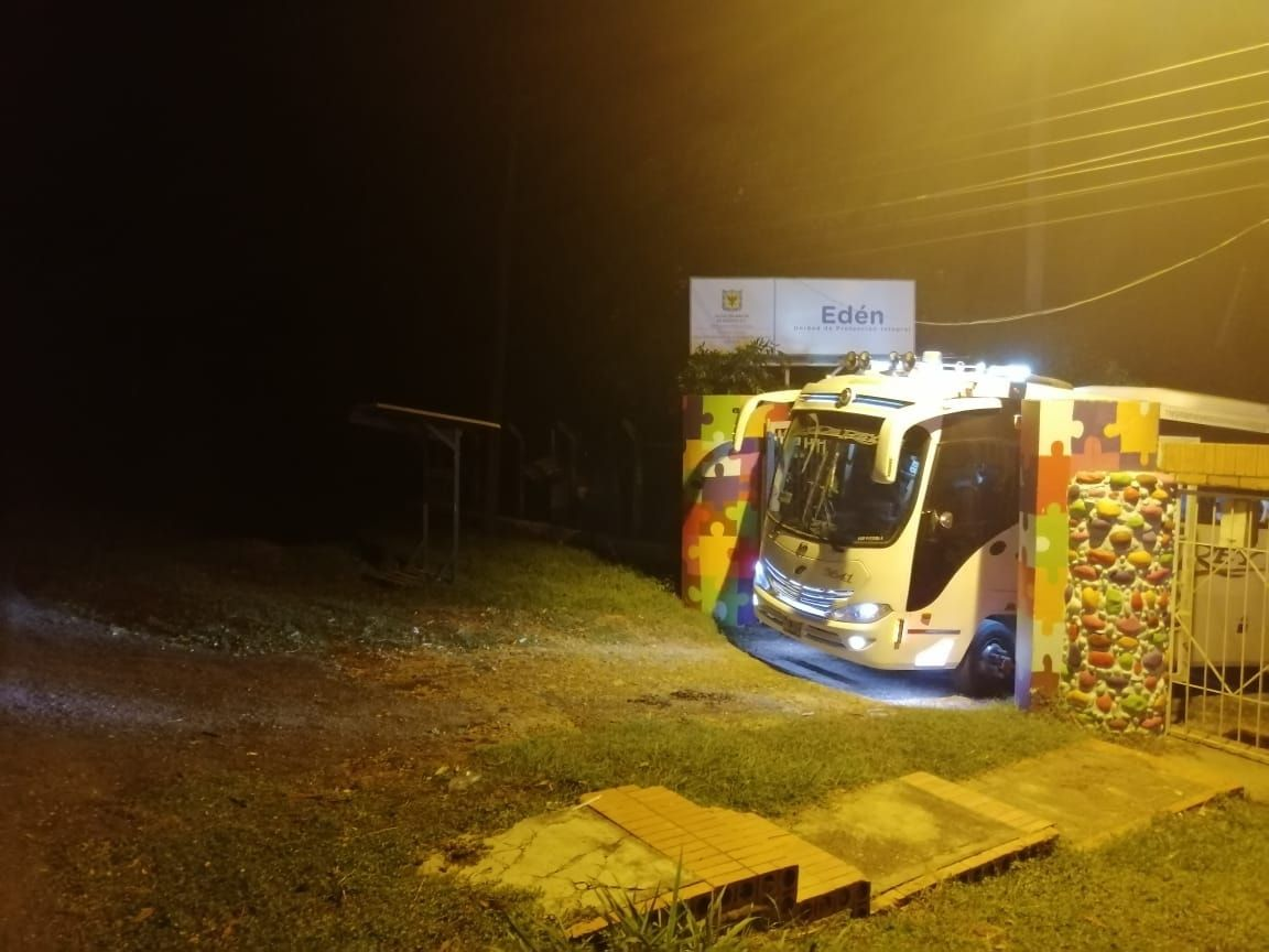 Bus con jóvenes de Bogotá intentó llegar a finca en Melgar