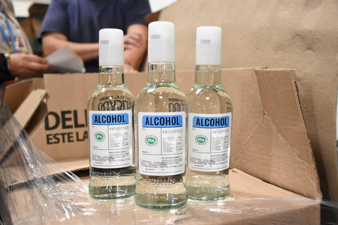 Gobernación del Tolima recibe donación de 3.900 unidades de alcohol