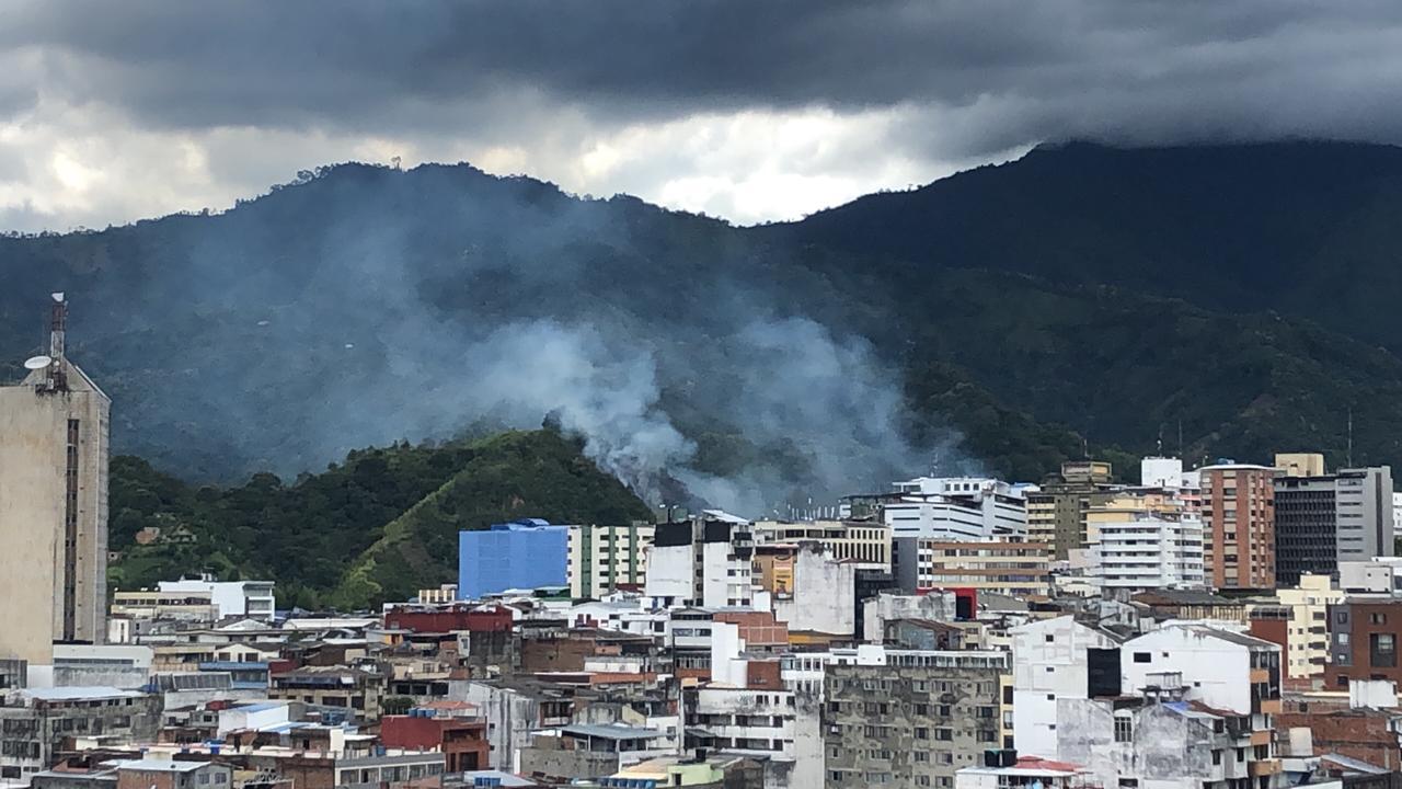 Organismos de socorro atendieron incendio forestal en el sector de Cerro Gordo