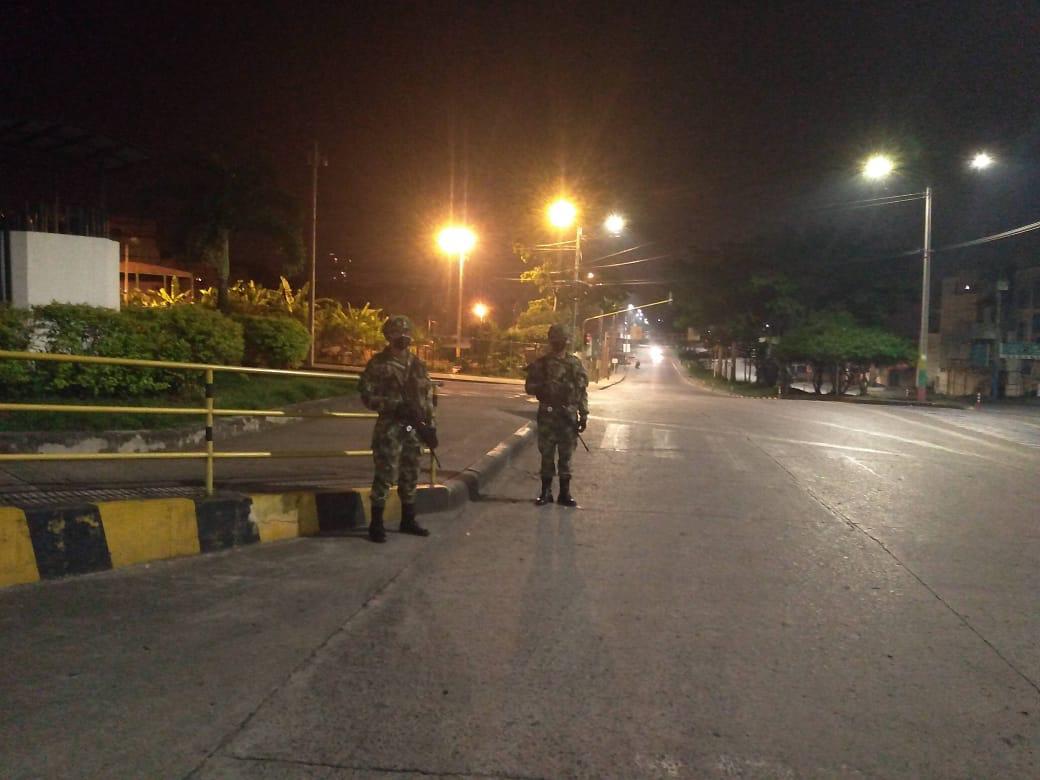 'Toque de queda nocturno' continuará vigente durante puente festivo