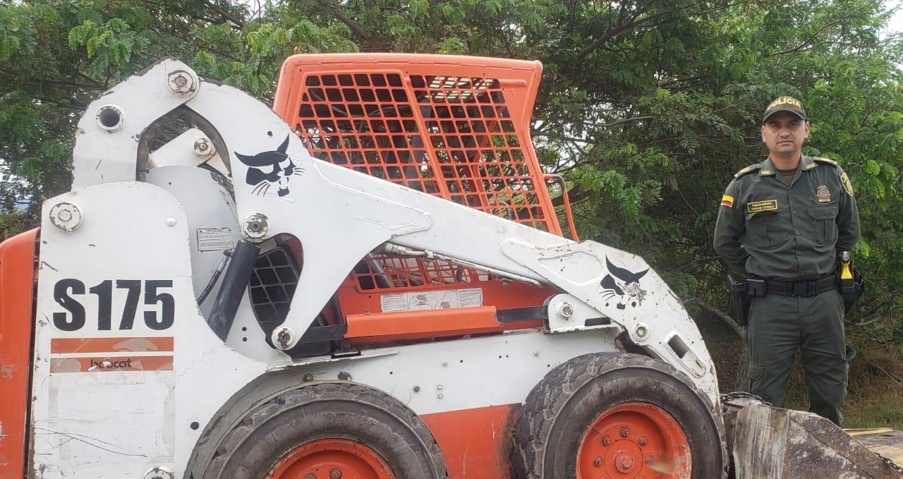 Policía recuperó en Ibagué un mini cargador hurtado en Bogotá