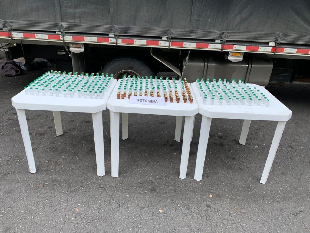 Cayeron con cargamento de insumo para fabricación de drogas sintéticas