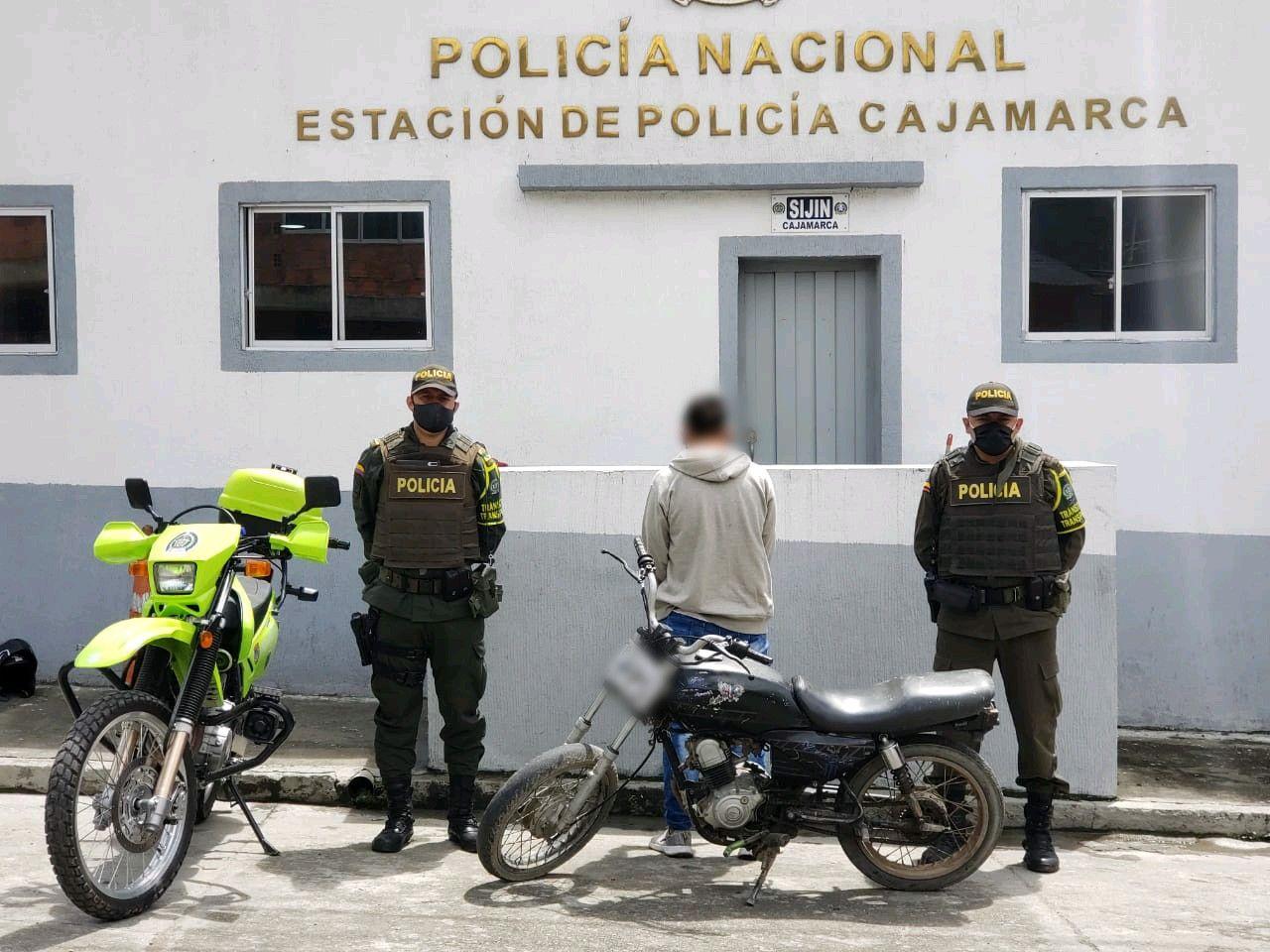 Viajaba entre Ibagué y Calarcá en una moto robada