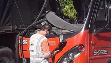 Fotos: Totazo 'naranja' contra el camión