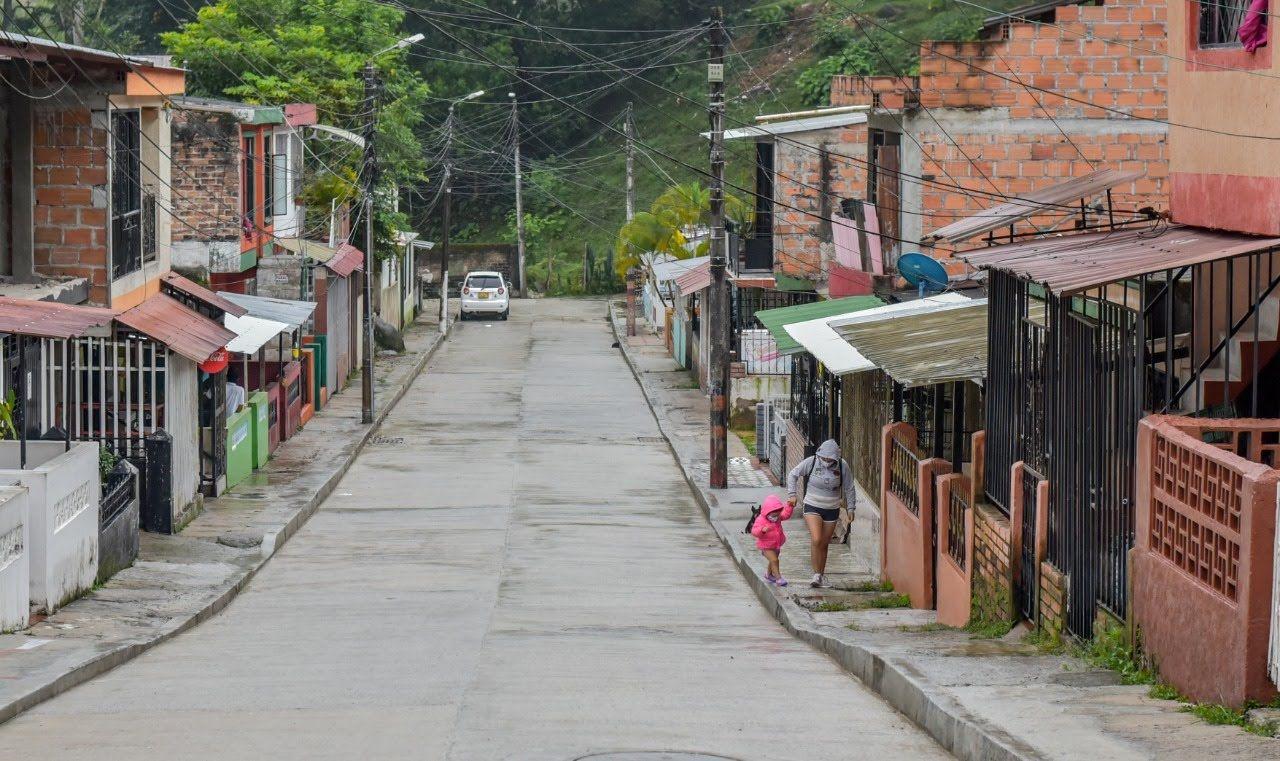 Así luce la nueva vía pavimentada en el barrio Villa Pinzón