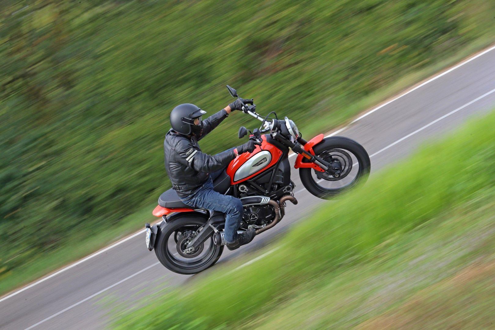 Cobro de peaje sería sólo para las 'motos de lujo' o de alto cilindraje