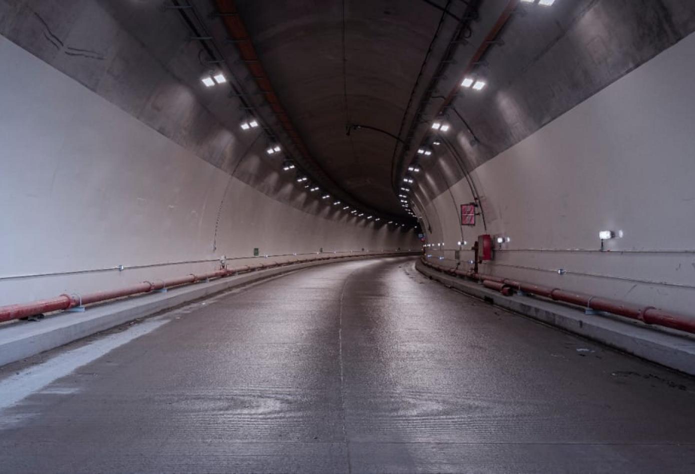 """""""Túnel de La Línea muestra la perseverancia del país"""": Presidente Duque"""