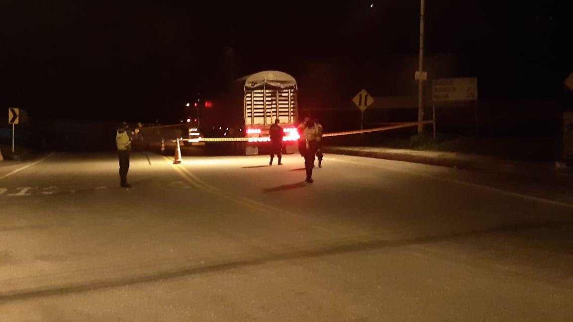 Confirman identidad del conductor de tractocamión que se suicidó en su cabina cerca al puente de Cajamarca