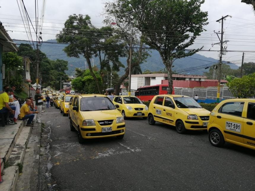 Pico y placa para taxis se modifica durante el fin de semana
