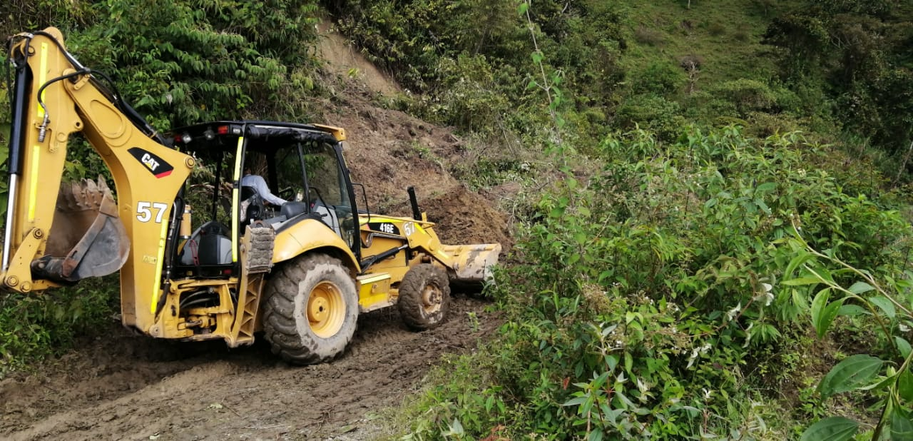 Habilitan 21 kilómetros de vías afectadas por lluvias en Coello Cocora