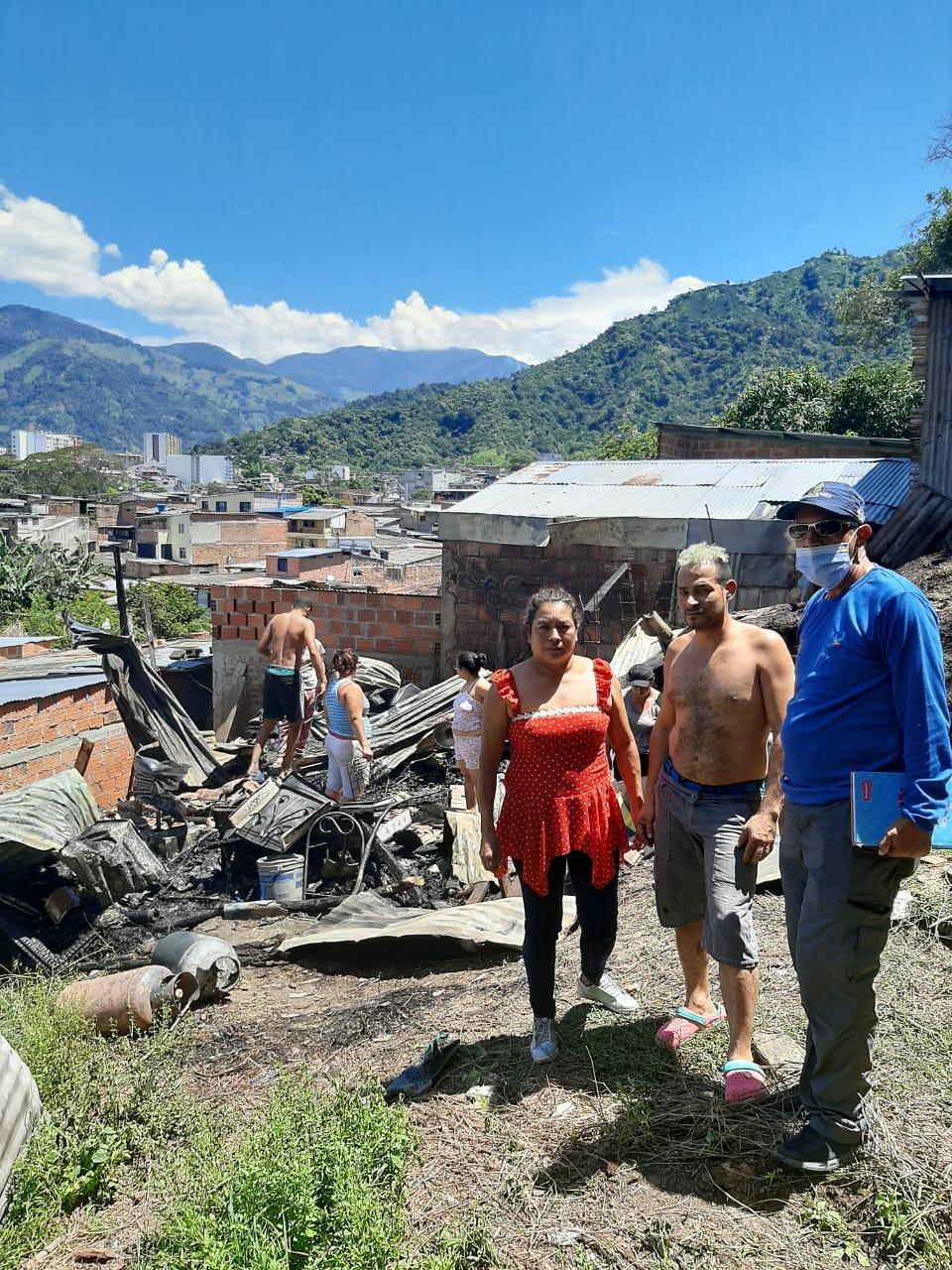 Tres adultos mayores y una menor perdieron todo en el incendio de su casa en Belencito, parte alta