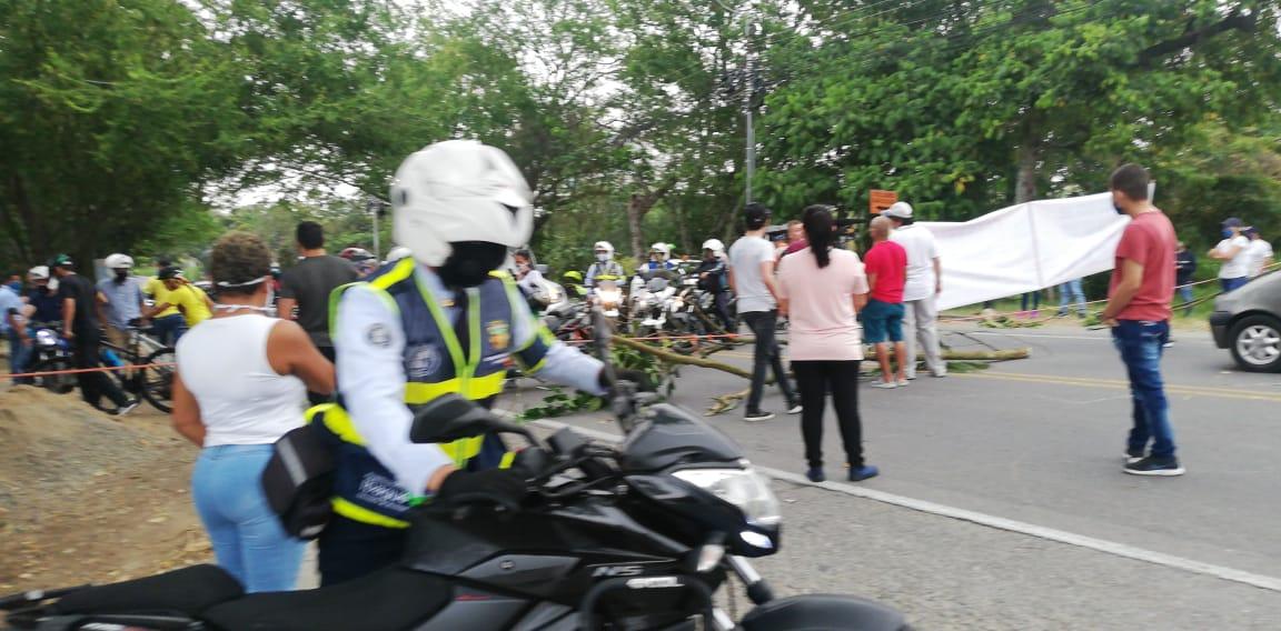 Protestaron los vecinos de la nueva sede de la Secretaría de Movilidad en Santo Domingo