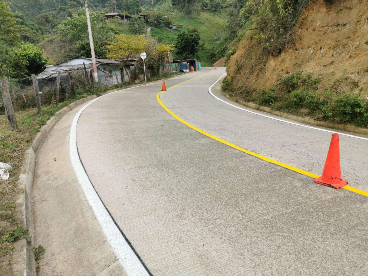 En pocos días se entregarán las obras de pavimentación de la vía Herrera – El Diamante