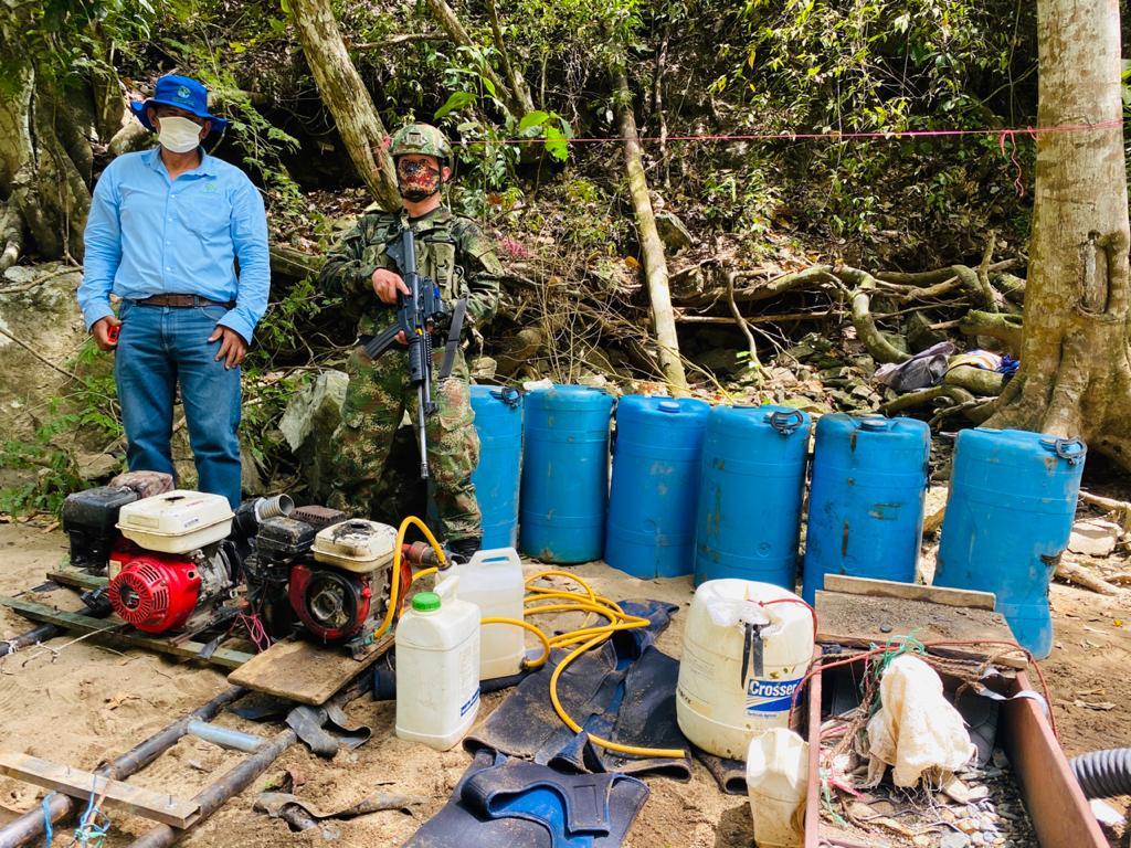 Capturados por explotación ilegal de oro y tala de árboles en el norte del Tolima
