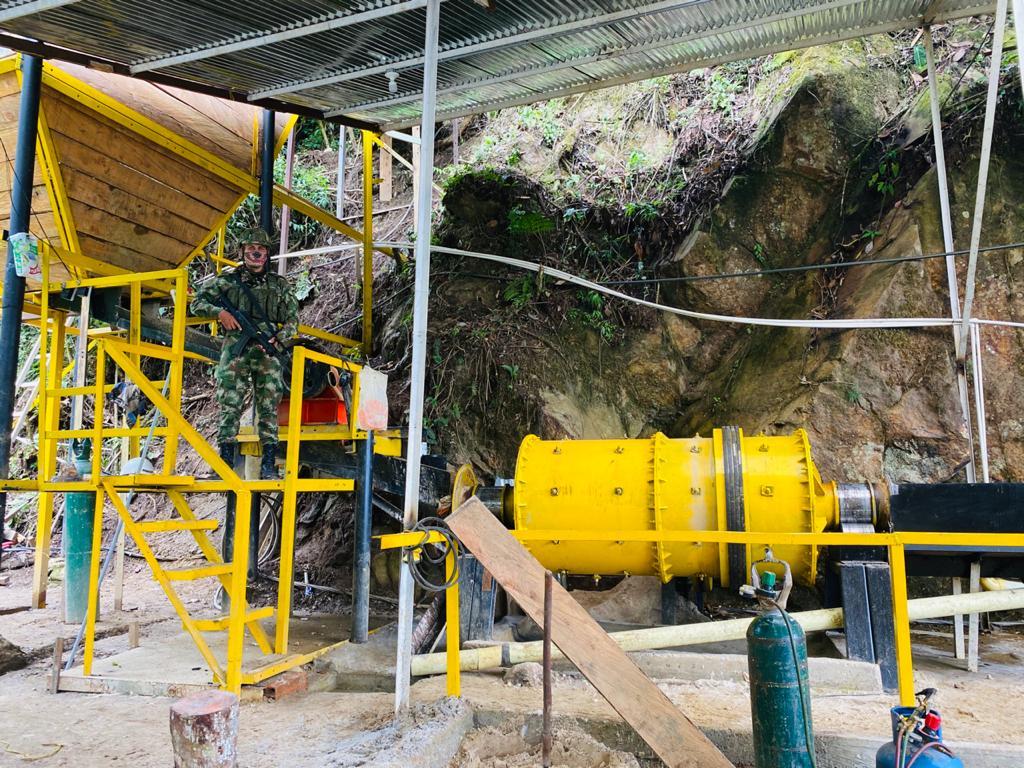 Nueve capturados en operativo contra minería ilegal en Fresno