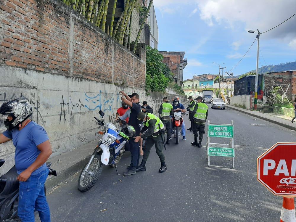 Policía seguirá con las 'caravanas de seguridad' por los barrios de Ibagué