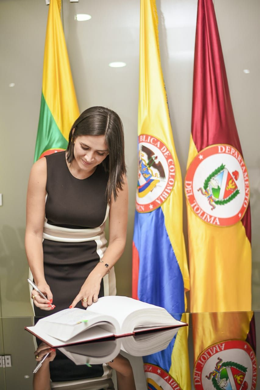 Greis Cifuentes, tomó posesión como secretaria de Cultura de Ibagué