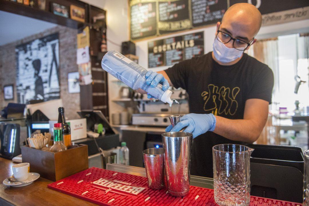 Habilitan protocolos para consumo de licor en restaurantes y bares, pero sin baile