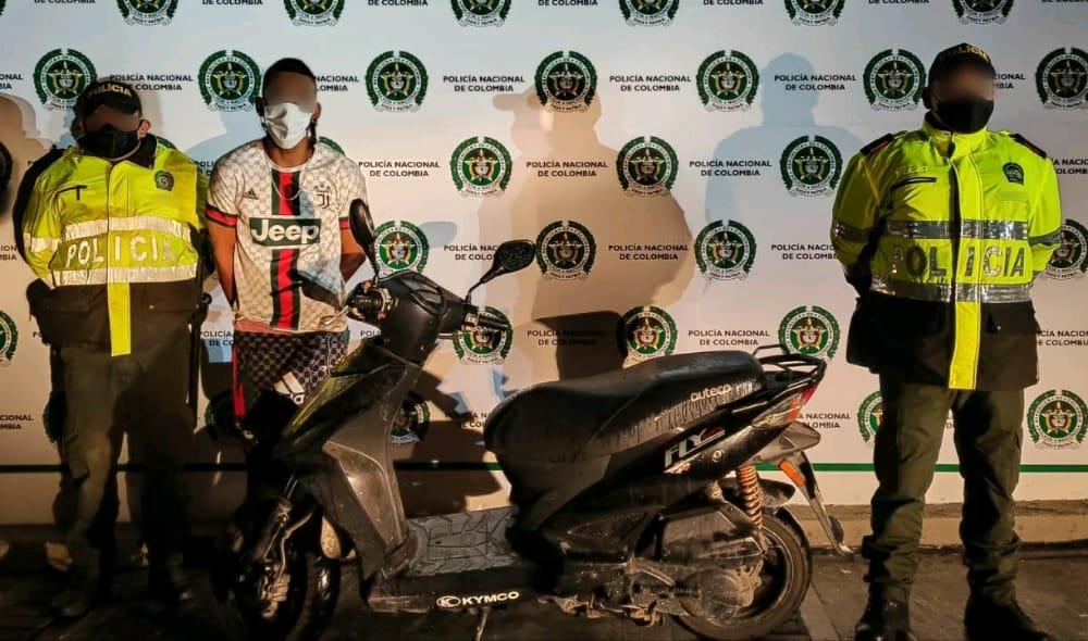 Capturado luego de robar una moto