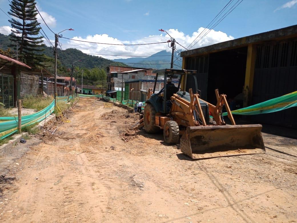 Inician obras de pavimentación en el barrio Miramar