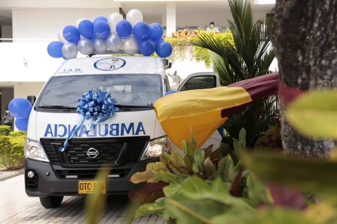 Entregaron ambulancia al hospital San Rafael del Espinal