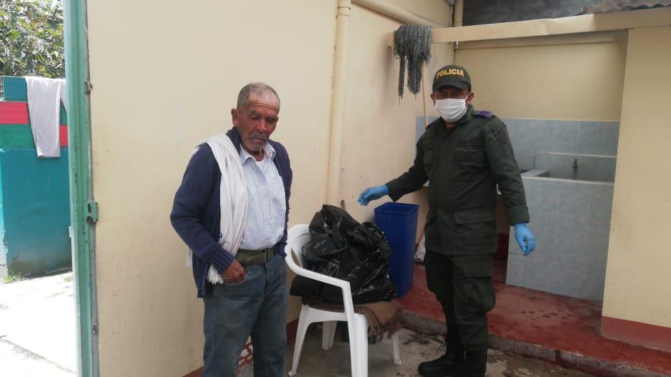 Policía se solidarizó con 'Don Alfonso' en Murillo