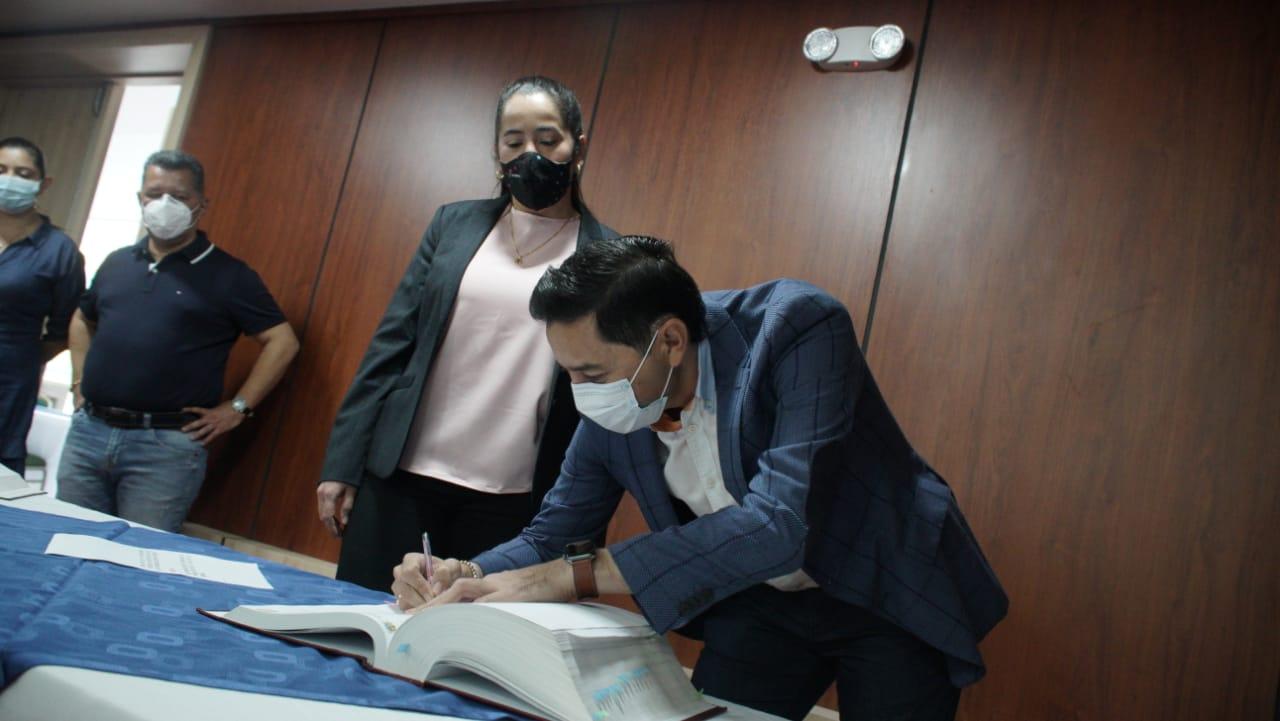 Se posesionó Sandra García como la nueva gerente del Ibal