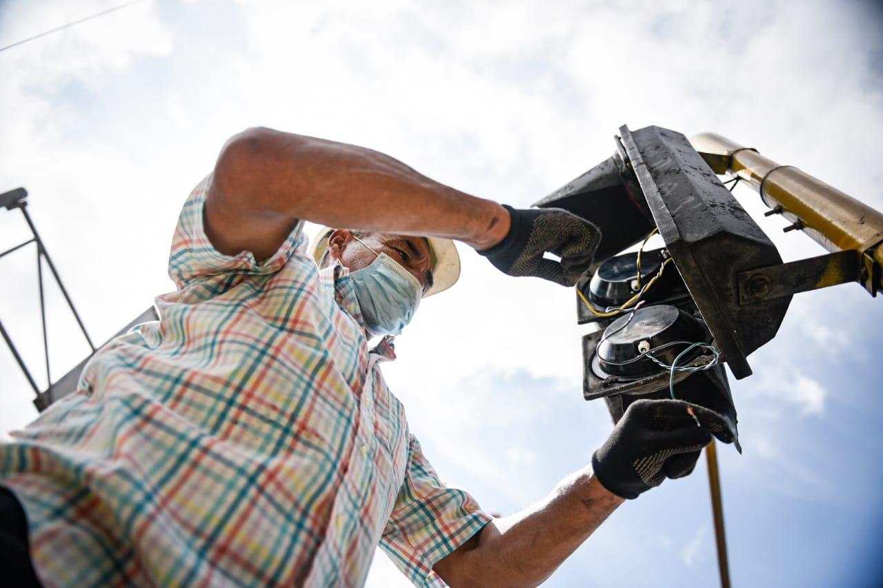 Inició mantenimiento de la red semafórica de Ibagué